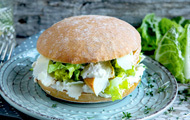 Caesar's Salad-Chicken-Burger