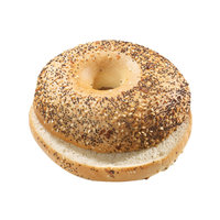 Bagel Everything, geschnitten