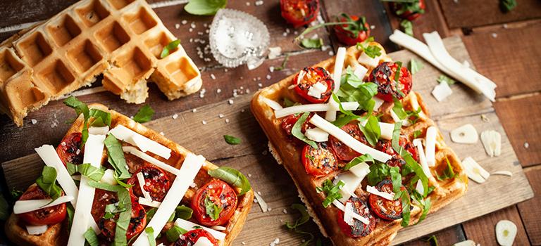 Pizzawaffel Food Pairing kombinieren Gemüse Pizza Waffel Tomate Käse kreativ